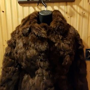 Jackets & Blazers - Fur coat two pockets clip closure